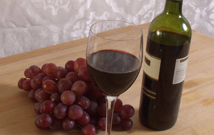 Q & A: Why red colour in wine bottles?